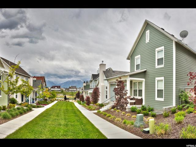 10631 S Beach Comber Way, South Jordan, UT 84009 (#1527315) :: Colemere Realty Associates