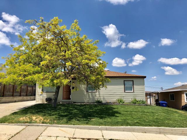 4766 W Hoffman St, Salt Lake City, UT 84118 (#1531216) :: The Fields Team