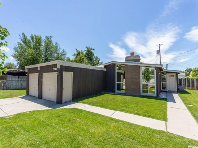 3026 S 3140 St W, West Valley City, UT 84119 (#1535216) :: Big Key Real Estate