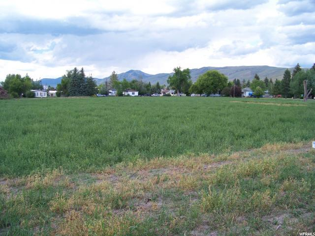 375 1/2 ACRE ON BECKWITH St - Photo 1