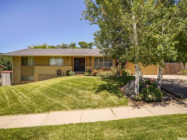1129 E Crestwood Rd, Kaysville, UT 84037 (#1535936) :: Exit Realty Success