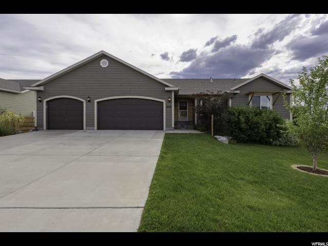 858 S Cambridge Cir, Tooele, UT 84074 (#1537081) :: goBE Realty