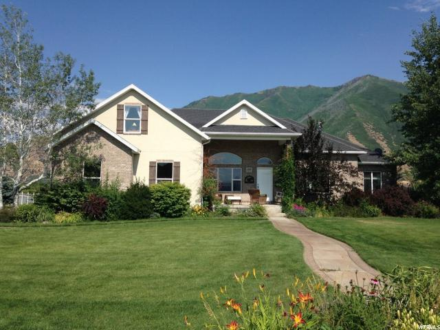 2185 S Parkview Dr, Mapleton, UT 84664 (#1537104) :: The Utah Homes Team with iPro Realty Network