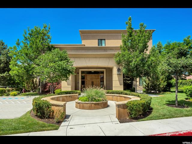 1706 E Murray Holladay Rd S #204, Holladay, UT 84117 (#1540532) :: Colemere Realty Associates