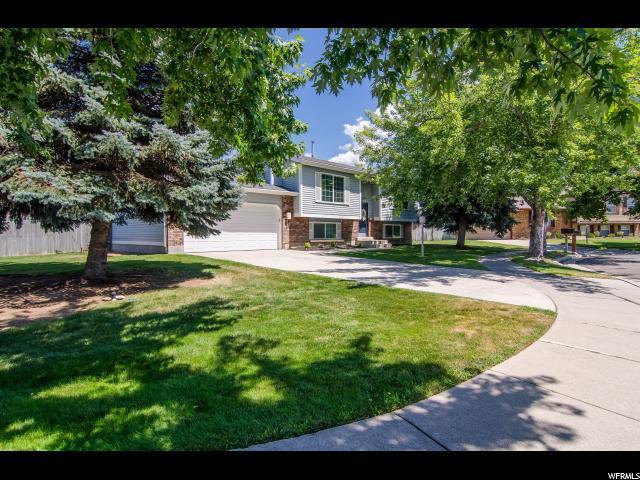 8957 S Powder Horn Ct E, Sandy, UT 84093 (#1541269) :: Big Key Real Estate