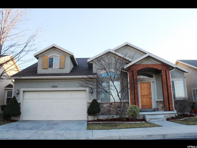 1962 E Meadow Downs Way S, Cottonwood Heights, UT 84121 (#1541829) :: goBE Realty