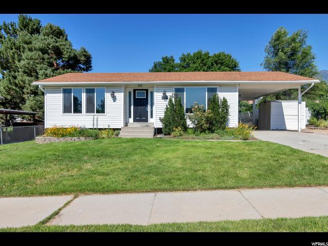 10517 S Larkspur Dr E, Sandy, UT 84094 (#1541885) :: The Utah Homes Team with iPro Realty Network