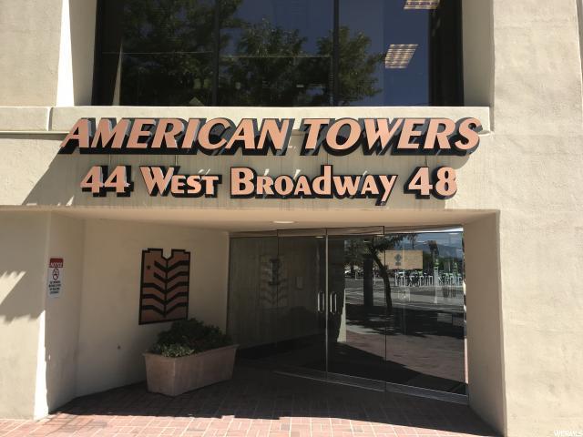 44 W 300 S 2203S, Salt Lake City, UT 84101 (#1542230) :: Red Sign Team