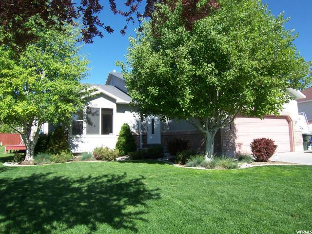9212 S Shoshone Lake Dr, West Jordan, UT 84088 (#1542948) :: The Fields Team