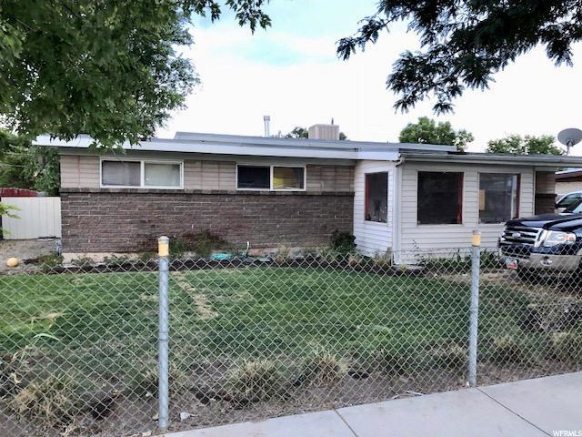 3131 S 3200 W, West Valley City, UT 84119 (#1543441) :: Colemere Realty Associates