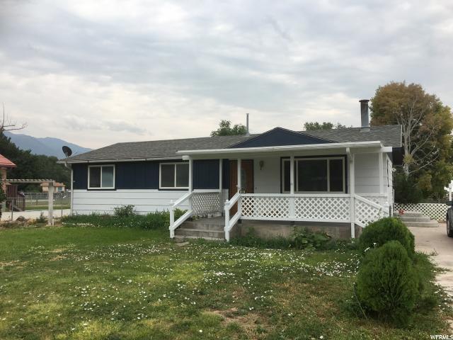 240 E Main St S, Elsinore, UT 84724 (#1544249) :: Bustos Real Estate | Keller Williams Utah Realtors