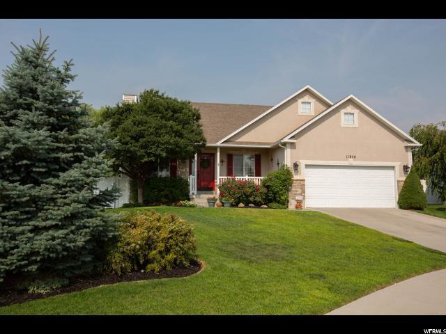 11850 S Silver Trace Cir W, Herriman, UT 84096 (#1545844) :: Bustos Real Estate | Keller Williams Utah Realtors
