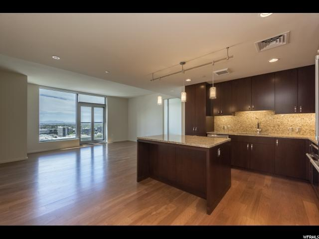 35 E 100 St S #1706, Salt Lake City, UT 84111 (#1545964) :: Big Key Real Estate