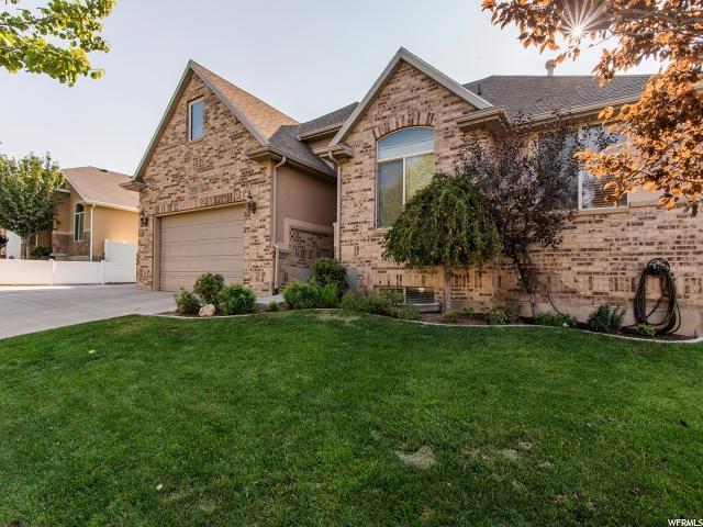 13724 S Crimson Patch Way, Riverton, UT 84065 (#1546402) :: Bustos Real Estate | Keller Williams Utah Realtors