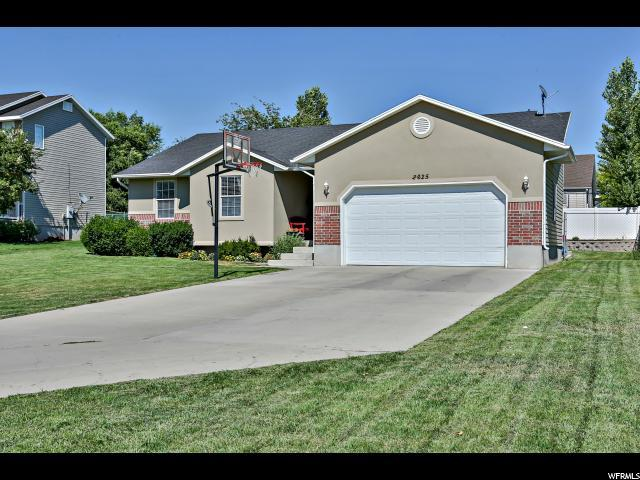 2625 S 200 E, Clearfield, UT 84015 (#1547161) :: The Fields Team
