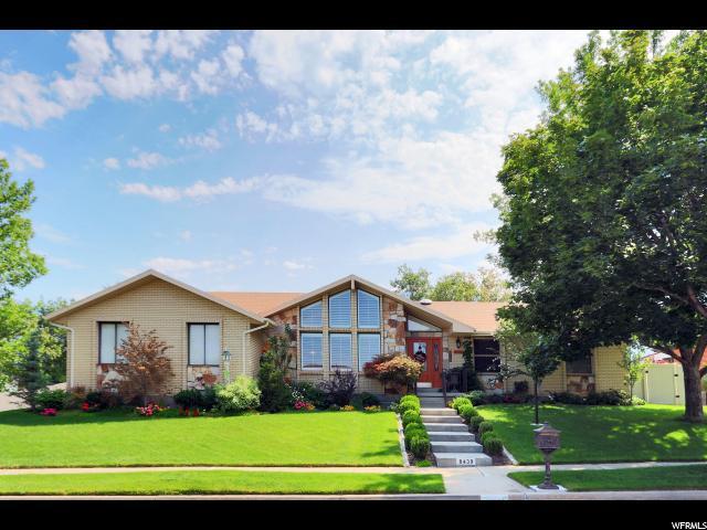 8439 S Sun Valley Dr E, Sandy, UT 84093 (#1547403) :: Bustos Real Estate | Keller Williams Utah Realtors