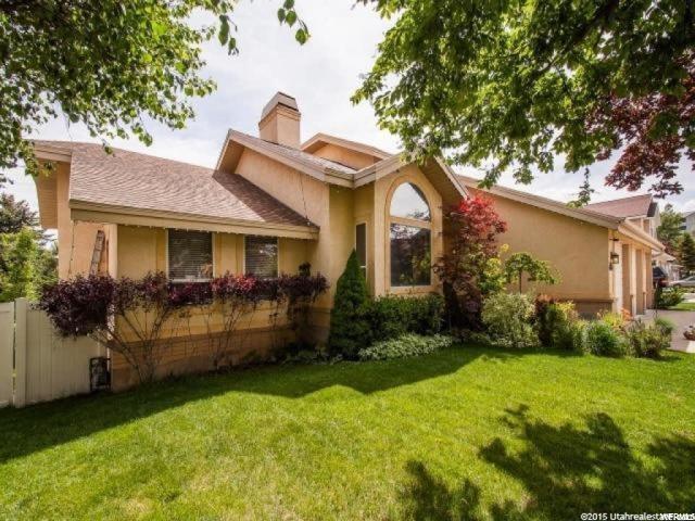 1738 E Briarglen Dr, Sandy, UT 84092 (#1547695) :: Bustos Real Estate | Keller Williams Utah Realtors