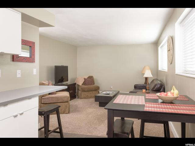 2240 E Murray Holladay Rd S #156, Holladay, UT 84117 (#1547745) :: The Utah Homes Team with iPro Realty Network