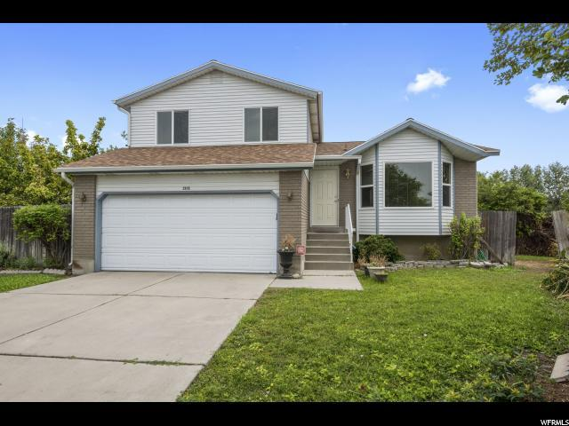 2915 S Armor Ct W, West Valley City, UT 84120 (#1548188) :: goBE Realty