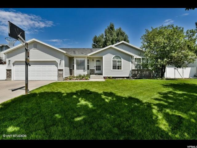 6080 W Park Ln, West Valley City, UT 84118 (#1548358) :: goBE Realty