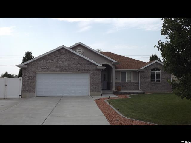 19 N 975 W, Clearfield, UT 84015 (#1548411) :: Red Sign Team