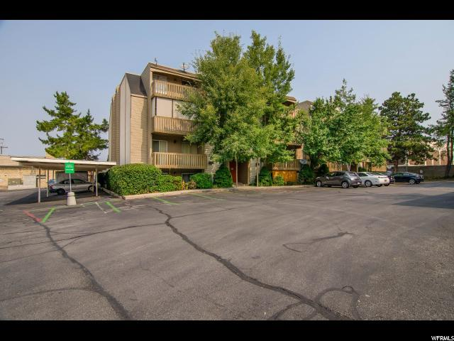 2220 E Murray Holladay Rd S #425, Holladay, UT 84117 (#1550012) :: goBE Realty