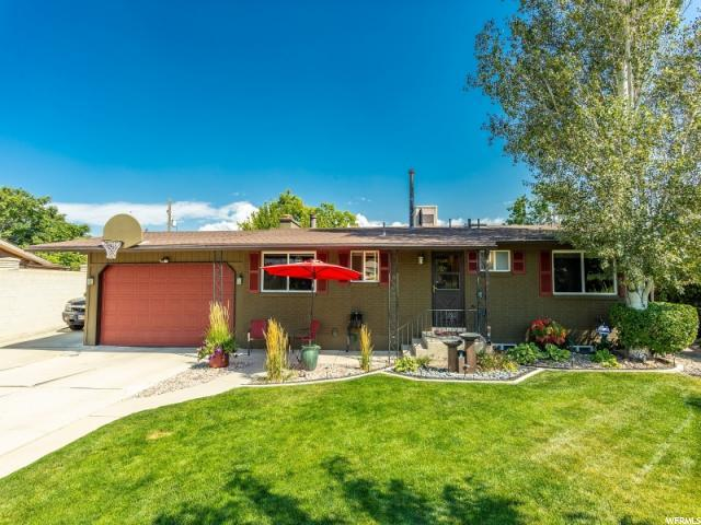 4665 S Crestfield Dr, West Valley City, UT 84119 (#1552190) :: goBE Realty