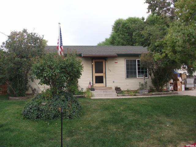 165 W 300 N, Santaquin, UT 84655 (#1552255) :: Colemere Realty Associates