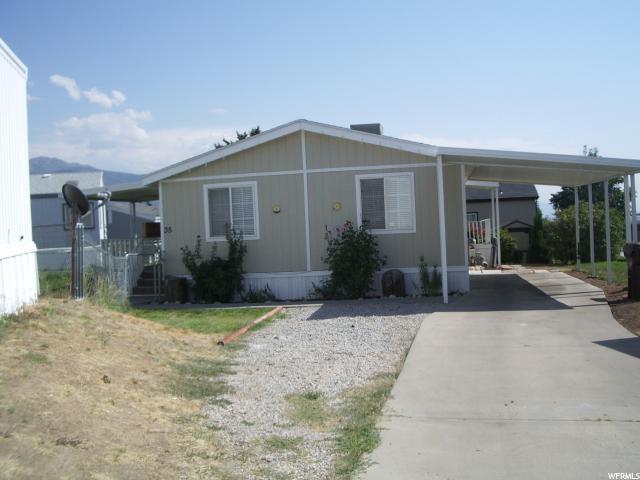 2900 Hillfield Rd. N #35, Layton, UT 84040 (#1552436) :: Bustos Real Estate | Keller Williams Utah Realtors