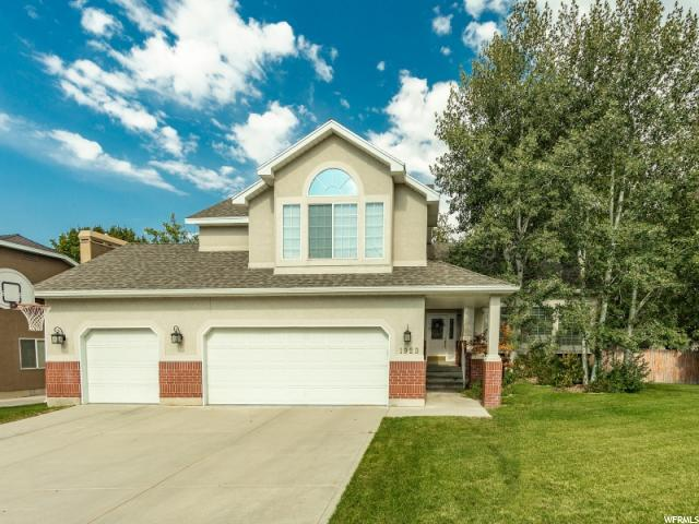 1923 E Fallview, Sandy, UT 84093 (#1552668) :: goBE Realty