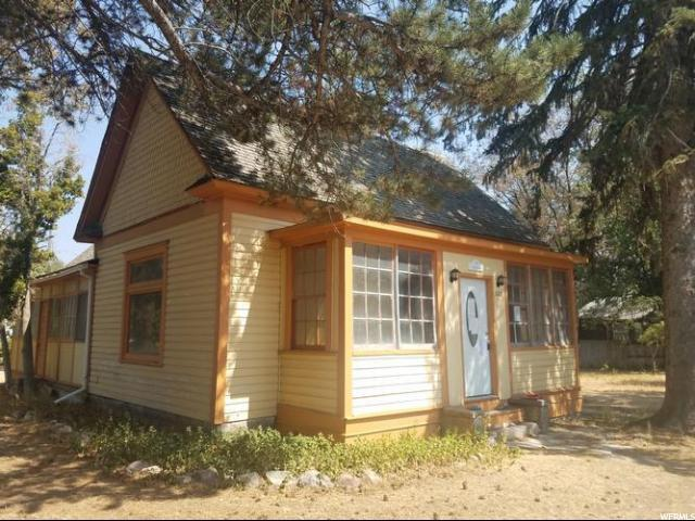 303 Van Buren, American Falls, ID 83211 (#1553301) :: Exit Realty Success