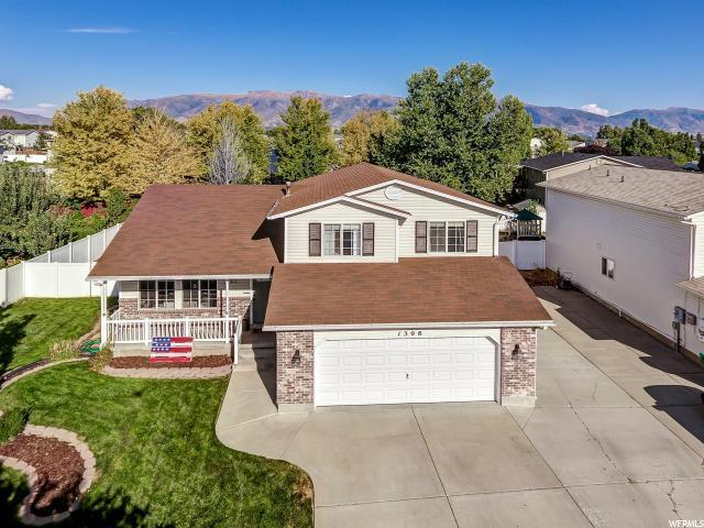 1308 N 2575 W, Layton, UT 84041 (#1553744) :: Bustos Real Estate | Keller Williams Utah Realtors