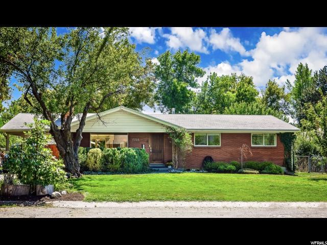 1558 E Claridge Dr S, Holladay, UT 84124 (#1553793) :: goBE Realty