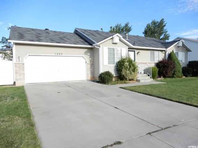 1468 N 2525 W, Layton, UT 84041 (#1554063) :: Bustos Real Estate | Keller Williams Utah Realtors