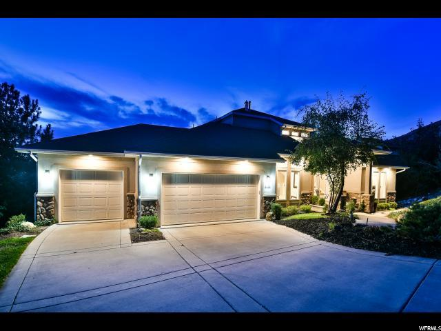 6464 S Canyon Crest Dr E, Holladay, UT 84121 (#1554282) :: goBE Realty