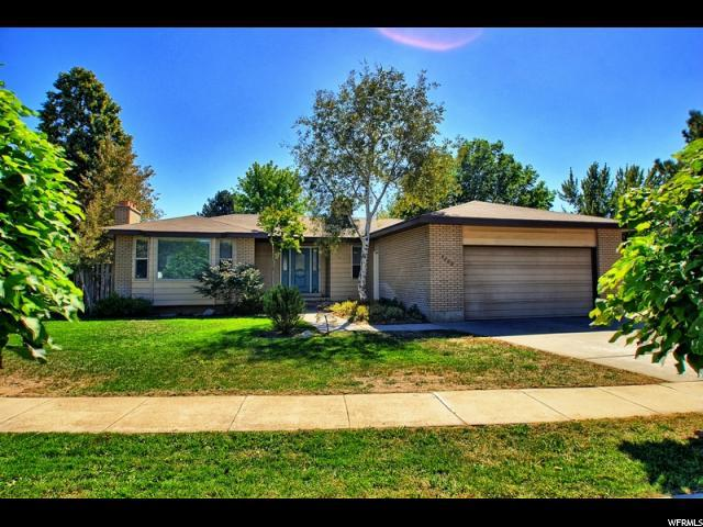 1532 E Tameron Dr, Sandy, UT 84092 (#1554707) :: The Fields Team