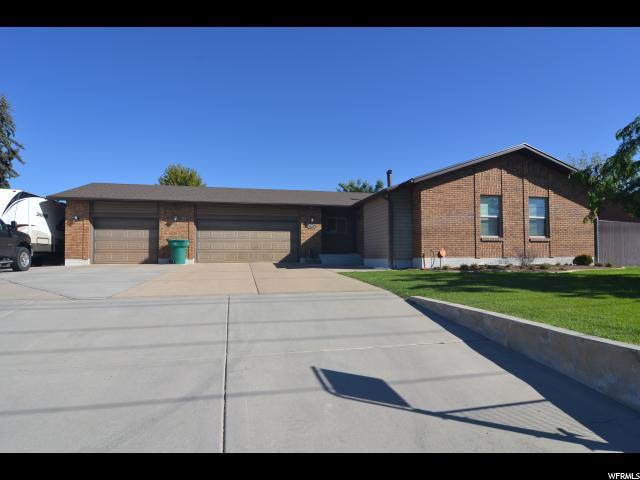 2424 W Gordon Ave, Layton, UT 84041 (#1555294) :: Keller Williams Legacy