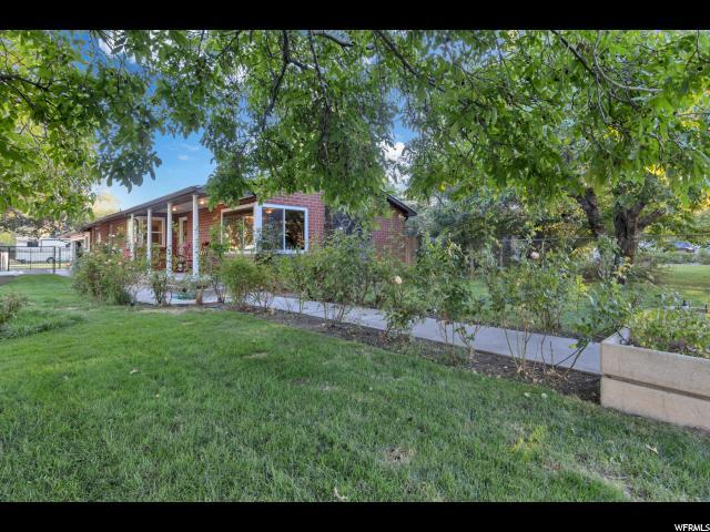 1726 E 7200 S, Cottonwood Heights, UT 84121 (#1555914) :: Colemere Realty Associates