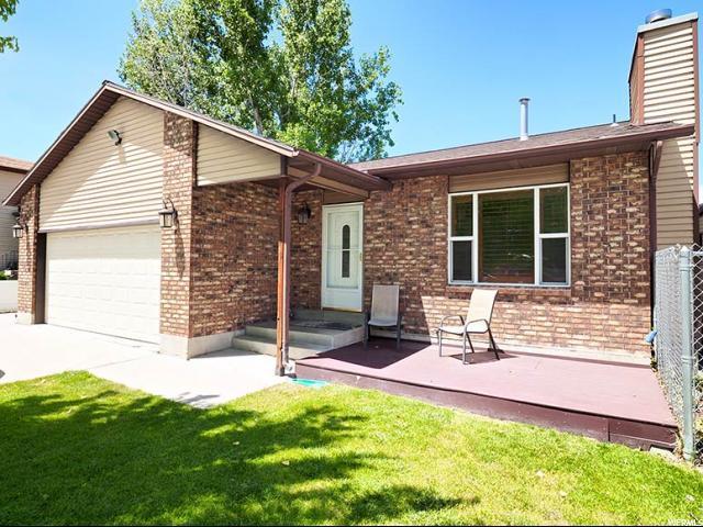 5550 W Gloden Gate Cir S, West Jordan, UT 84081 (#1556102) :: Bustos Real Estate | Keller Williams Utah Realtors