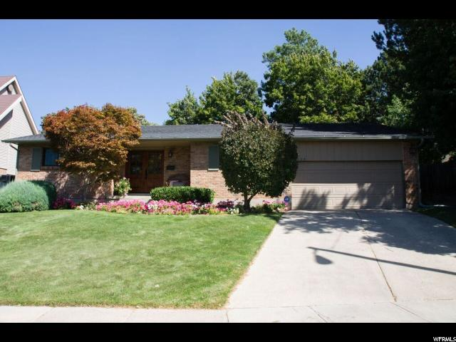 4229 S Quinette Ln. E, Holladay, UT 84124 (#1556186) :: Colemere Realty Associates