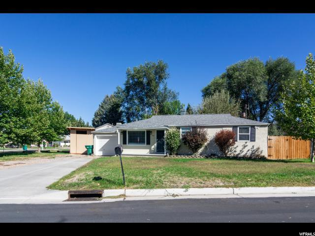 909 E Goddard Cir N, Layton, UT 84041 (#1556226) :: Keller Williams Legacy