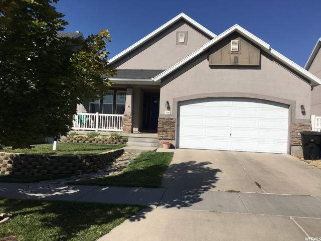 7528 S Sunset Maple Drive W, West Jordan, UT 84081 (#1556267) :: goBE Realty