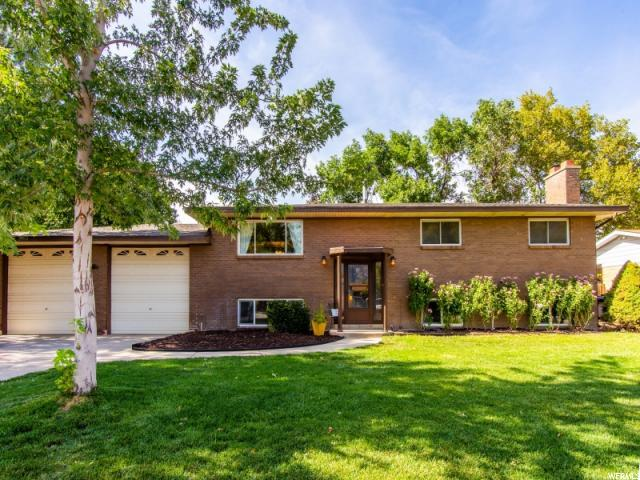 2469 E Camelback Rd, Cottonwood Heights, UT 84121 (#1556329) :: Colemere Realty Associates