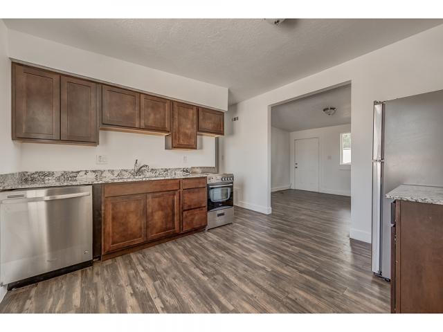 1078 W 10550 S, South Jordan, UT 84095 (#1556333) :: Bustos Real Estate | Keller Williams Utah Realtors