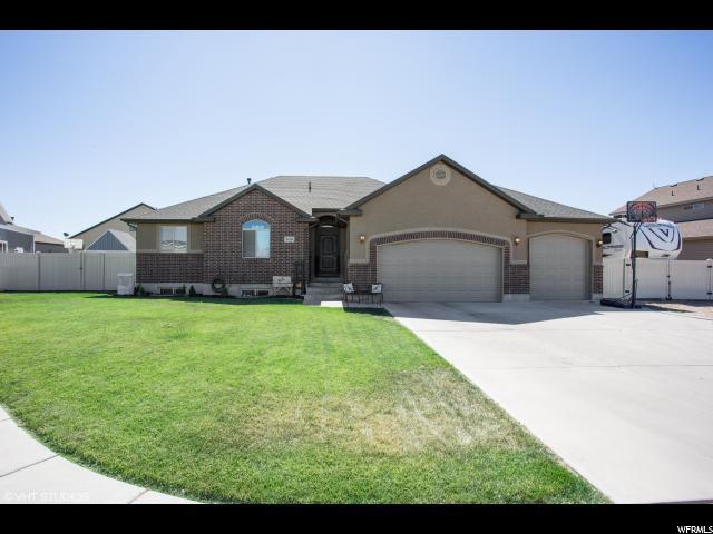 1419 W 2100 N, Clinton, UT 84015 (#1556380) :: Bustos Real Estate | Keller Williams Utah Realtors
