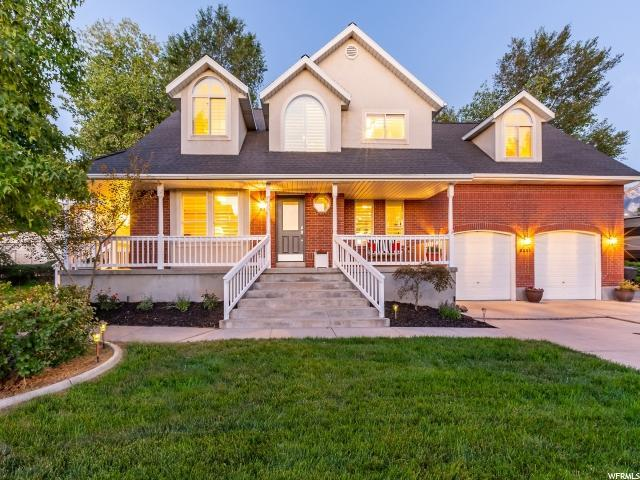 2201 E Pink Coral Cir S, Cottonwood Heights, UT 84121 (#1556470) :: Colemere Realty Associates