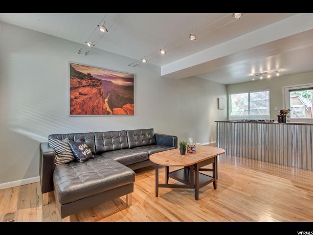 650 N 300 W #110, Salt Lake City, UT 84103 (#1558784) :: Big Key Real Estate
