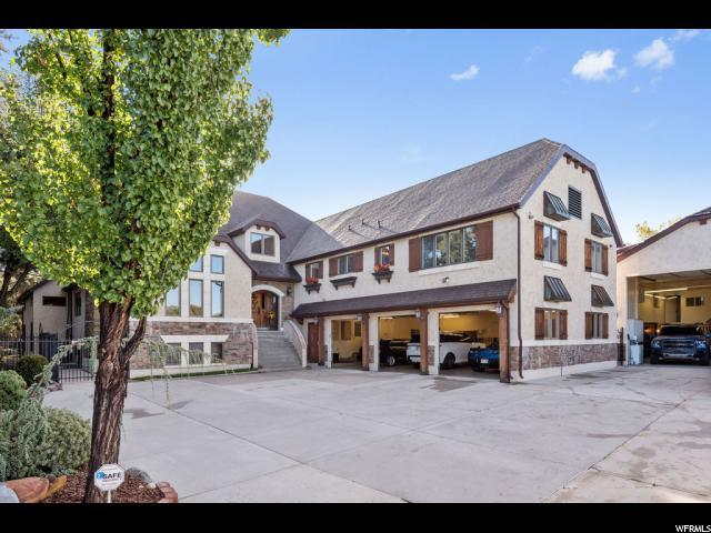 1592 E Chapel Oaks Cir S, Cottonwood Heights, UT 84093 (#1559494) :: goBE Realty