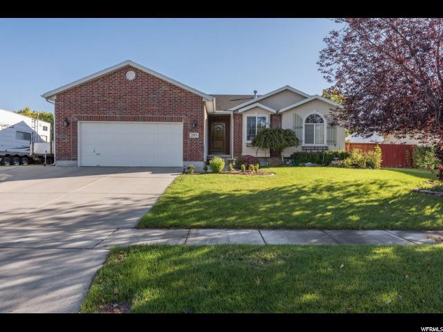 297 S 950 W, Layton, UT 84041 (#1559634) :: Big Key Real Estate