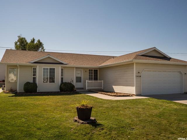 5484 S 4100 W, Roy, UT 84067 (#1561689) :: Big Key Real Estate